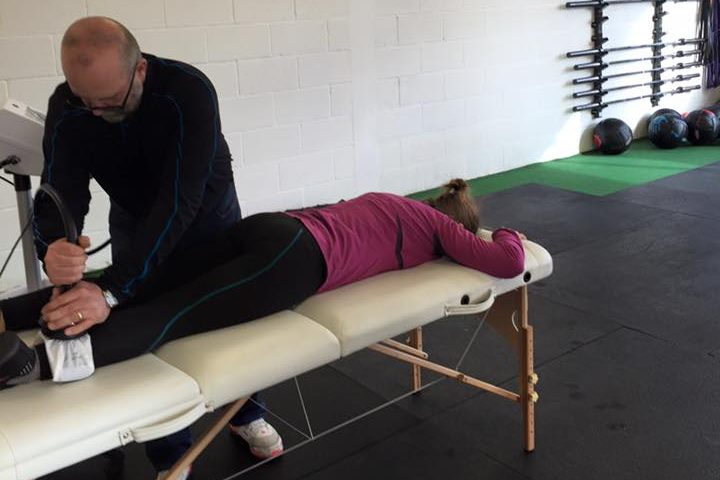 massage therapy in warrington used to treat knee pain